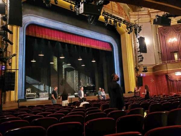 St. James Theatre, secção: Orchestra L, fila: M, lugar: 15