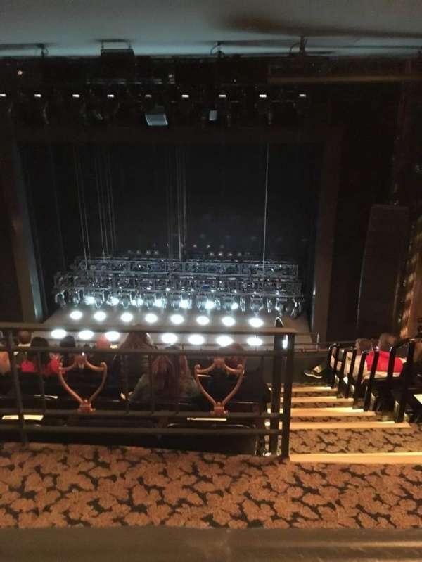 Lunt-Fontanne Theatre, secção: Rear mezz, fila: A, lugar: 112