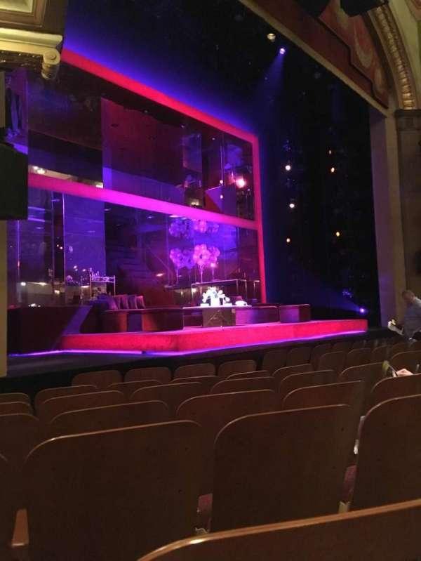 Booth Theatre, secção: Orchestra L, fila: E, lugar: 15