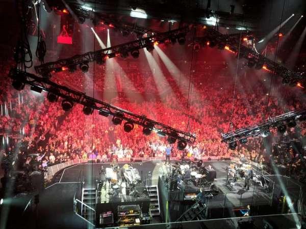 T-Mobile Arena, secção: 20, fila: W, lugar: 16