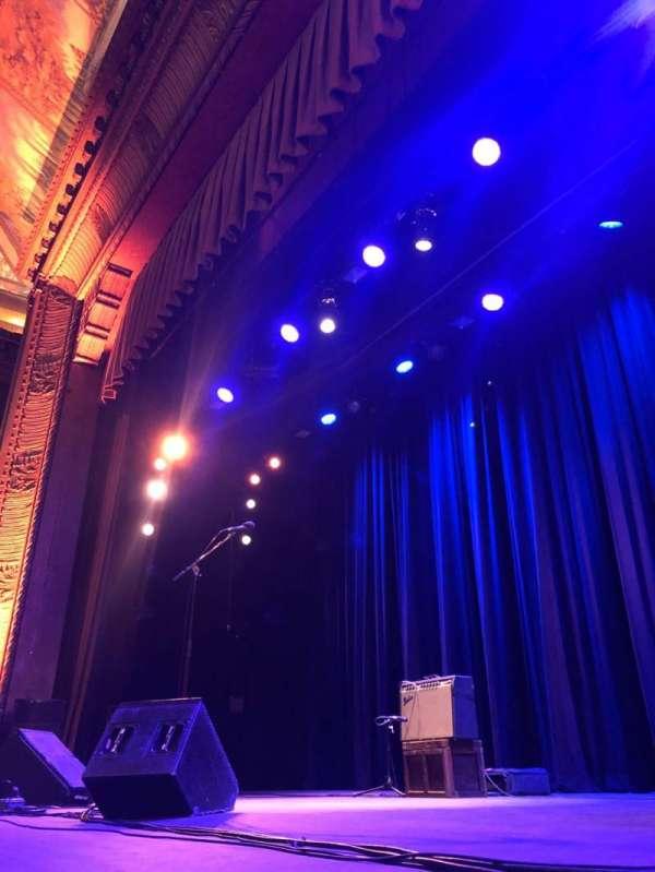 Tarrytown Music Hall, secção: Orchestra Right, fila: A, lugar: 2