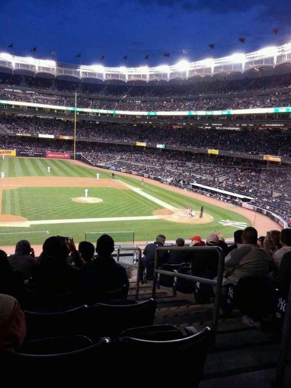 Yankee Stadium, secção: 225, fila: 9, lugar: 2