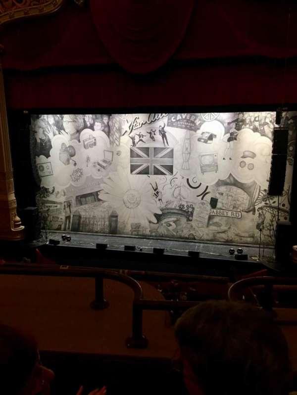 Nederlander Theatre (Chicago), secção: LOGE RC, fila: B, lugar: 322
