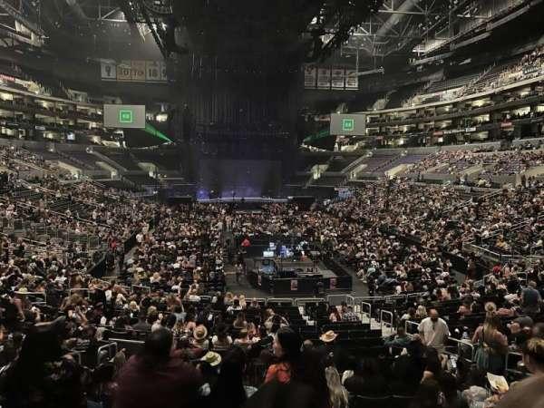 Staples Center, secção: 208, fila: 2, lugar: 4