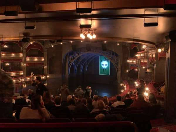 Lyric Theatre, secção: Dress Circle R, fila: K, lugar: 12