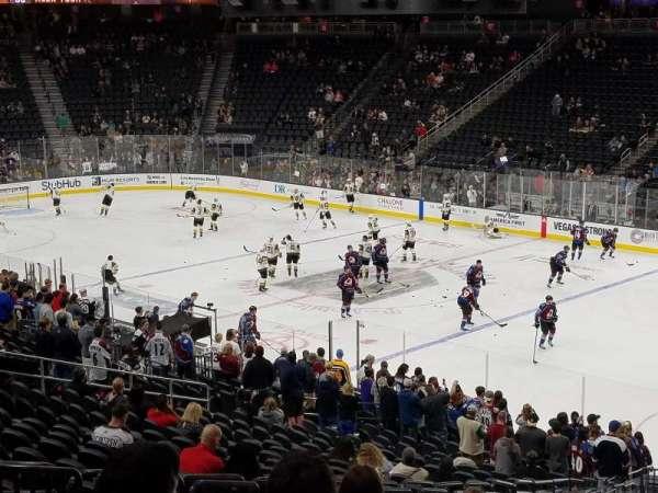 T-Mobile Arena, secção: 8, fila: Y, lugar: 6