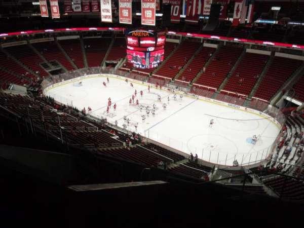 PNC Arena, secção: 301, fila: H, lugar: 03