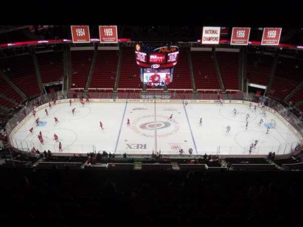 PNC Arena, secção: 304, fila: M, lugar: 14