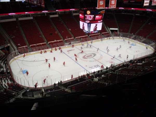 PNC Arena, secção: 307, fila: L, lugar: 9