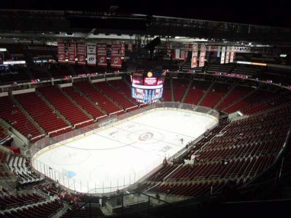 PNC Arena, secção: 310, fila: J, lugar: 1