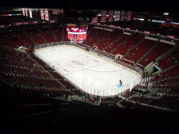 PNC Arena, secção: 318, fila: L, lugar: 12