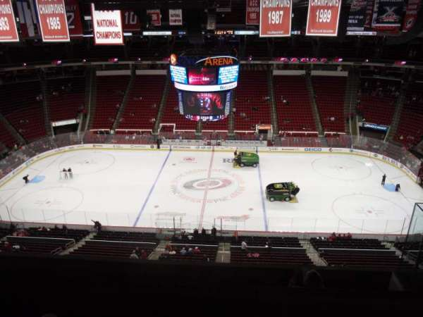 PNC Arena, secção: 324, fila: F, lugar: 5