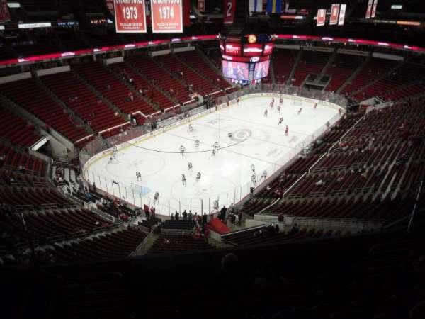 PNC Arena, secção: 330, fila: G, lugar: 9