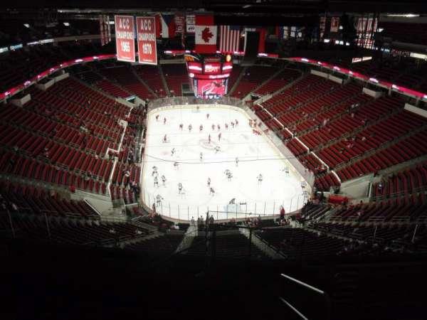 PNC Arena, secção: 334, fila: K, lugar: 1