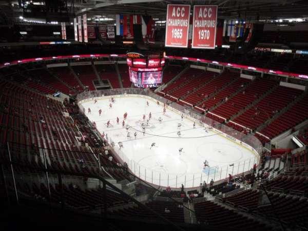 PNC Arena, secção: 335, fila: E, lugar: 12
