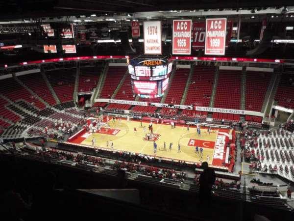 PNC Arena, secção: 303, fila: J, lugar: 7