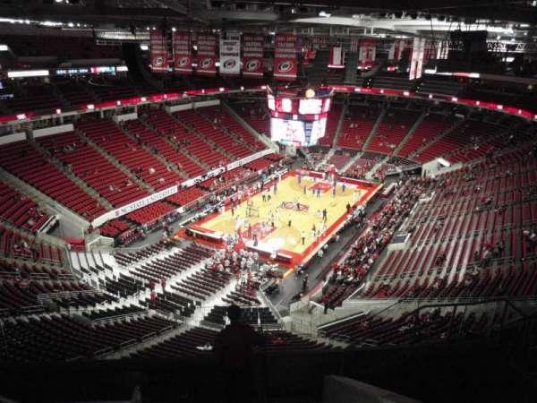 PNC Arena, secção: 311, fila: H, lugar: 8