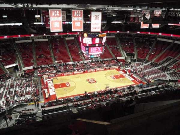 PNC Arena, secção: 325, fila: J, lugar: 24