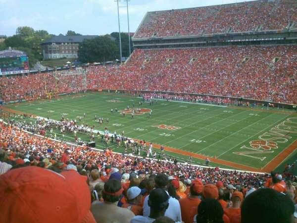 Memorial Stadium, Clemson, secção: UT, fila: V, lugar: 1