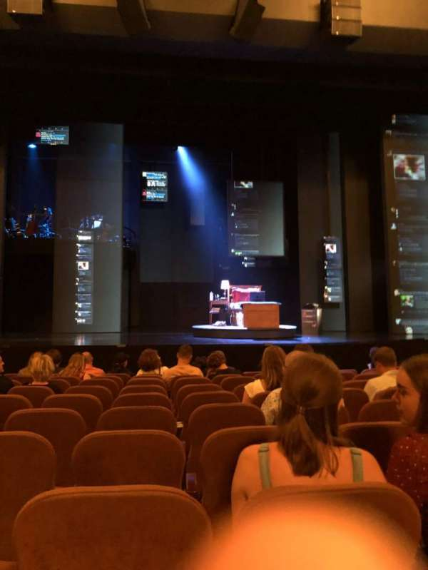 Music Box Theatre, secção: Orchestra C, fila: H, lugar: 109