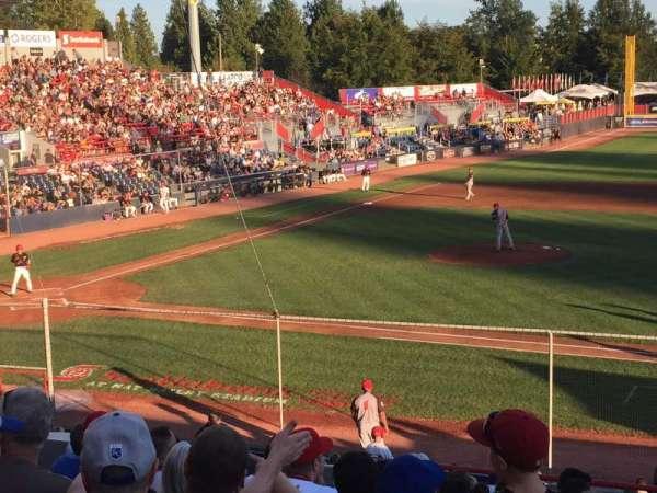 Nat Bailey Stadium, secção: 1, fila: 12, lugar: 12
