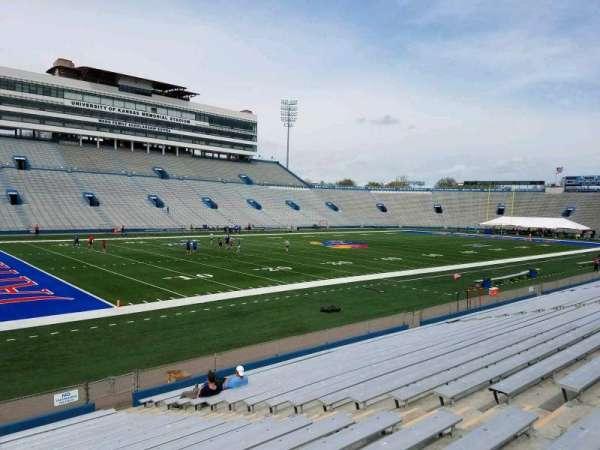 David Booth Kansas Memorial Stadium, secção: 25, fila: 19, lugar: 8