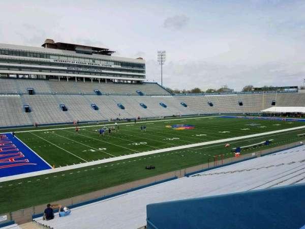 David Booth Kansas Memorial Stadium, secção: 25, fila: 26, lugar: 1