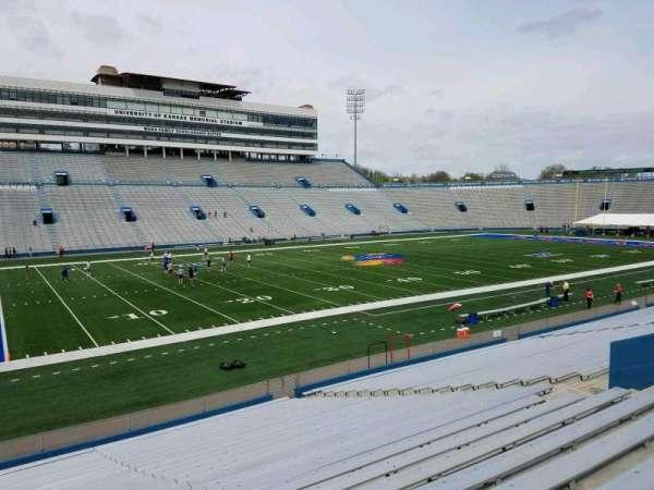 David Booth Kansas Memorial Stadium, secção: 24, fila: 26, lugar: 20