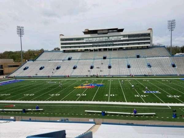 David Booth Kansas Memorial Stadium, secção: 20, fila: 33, lugar: 5