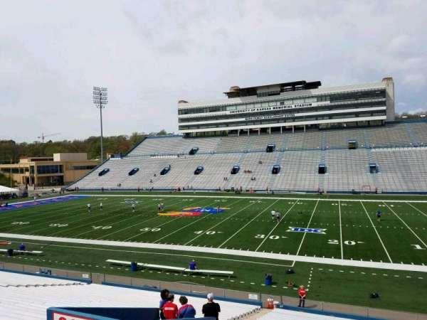David Booth Kansas Memorial Stadium, secção: 19, fila: 33, lugar: 10