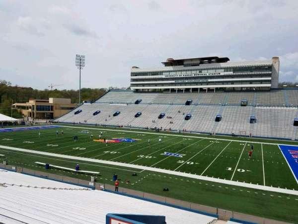 David Booth Kansas Memorial Stadium, secção: 18, fila: 33, lugar: 5