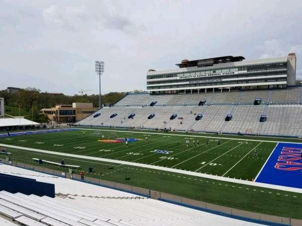 David Booth Kansas Memorial Stadium, secção: 18, fila: 33, lugar: 10