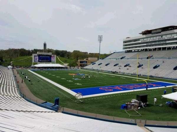 David Booth Kansas Memorial Stadium, secção: 16, fila: 30, lugar: 9