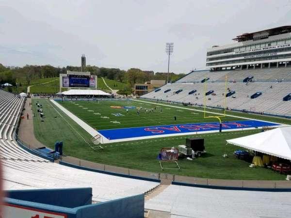 David Booth Kansas Memorial Stadium, secção: 15, fila: 30, lugar: 5