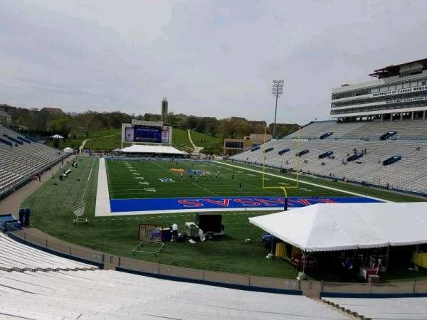 David Booth Kansas Memorial Stadium, secção: 15, fila: 30, lugar: 13