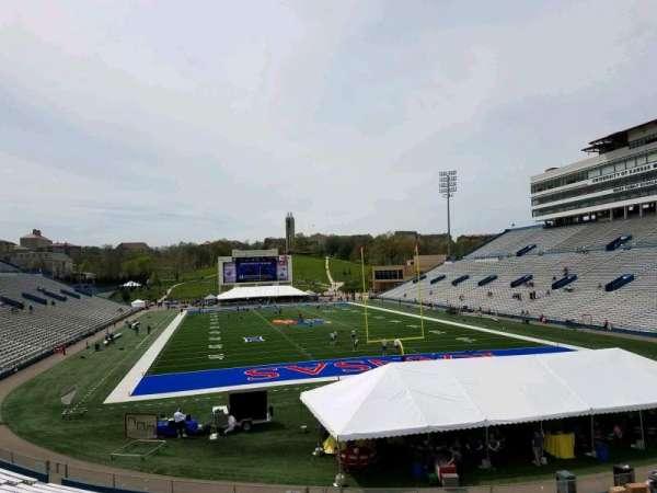 David Booth Kansas Memorial Stadium, secção: 14, fila: 30, lugar: 7