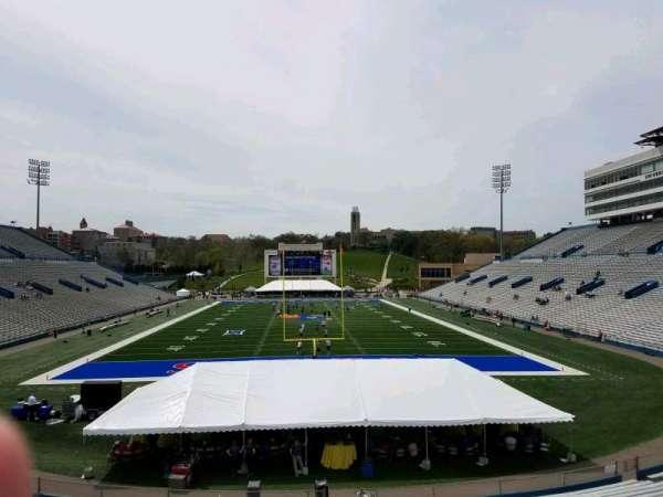 David Booth Kansas Memorial Stadium, secção: 14, fila: 30, lugar: 4
