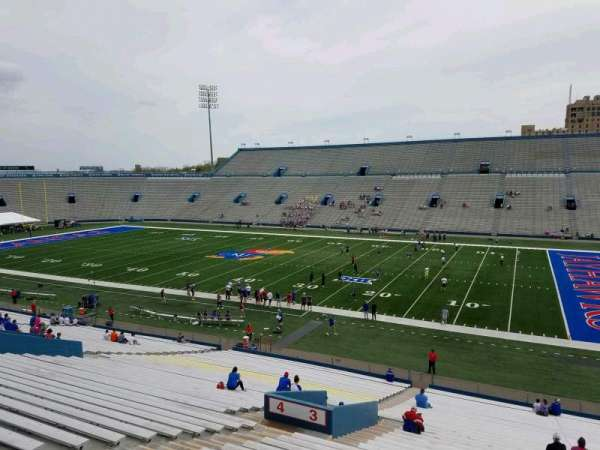 David Booth Kansas Memorial Stadium, secção: 3, fila: 40, lugar: 11