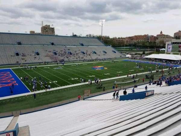 David Booth Kansas Memorial Stadium, secção: 9, fila: 40, lugar: 5