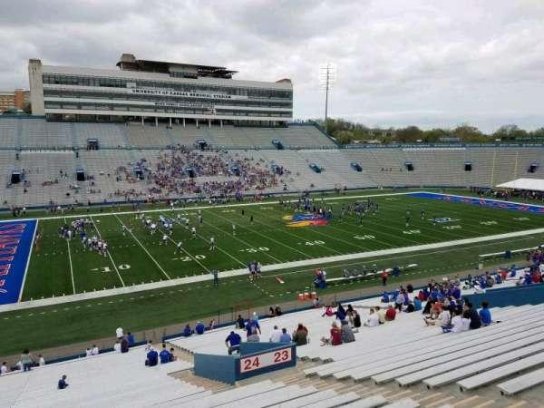 David Booth Kansas Memorial Stadium, secção: 24, fila: 42, lugar: 6