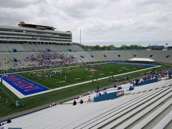David Booth Kansas Memorial Stadium, secção: 26, fila: 42, lugar: 2