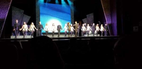 Rosemont Theatre, secção: 104, fila: E, lugar: 3