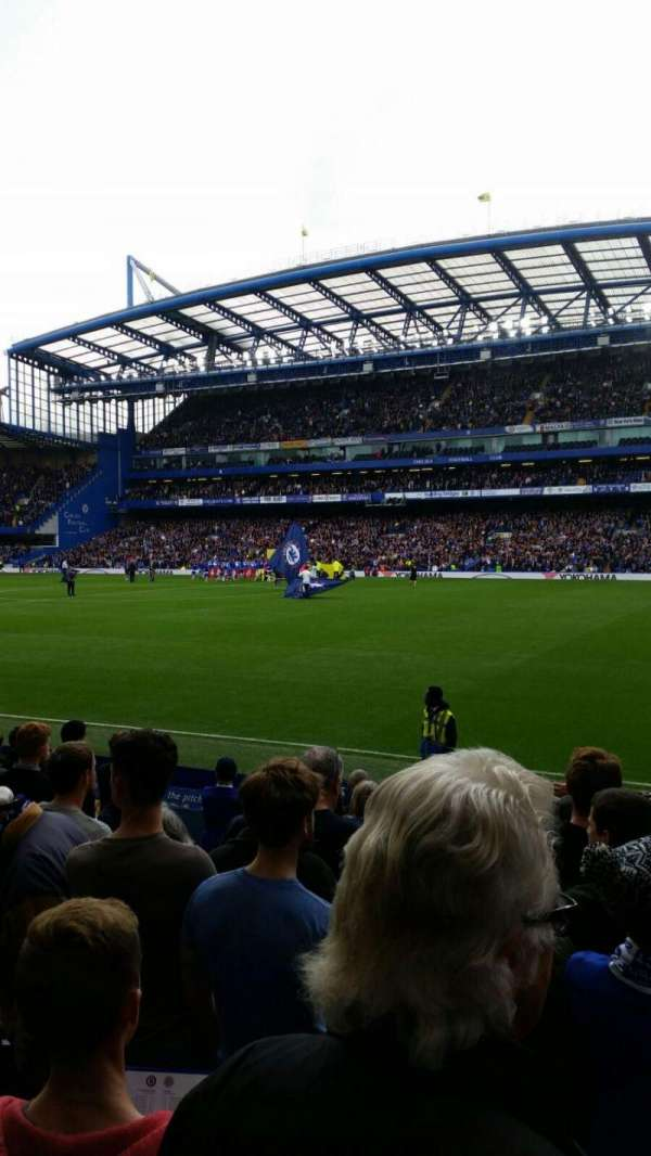 Stamford Bridge, secção: East Lower North, fila: O, lugar: 172