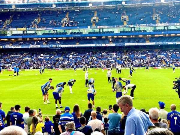 Stamford Bridge, secção: East Lower North, fila: P, lugar: 137