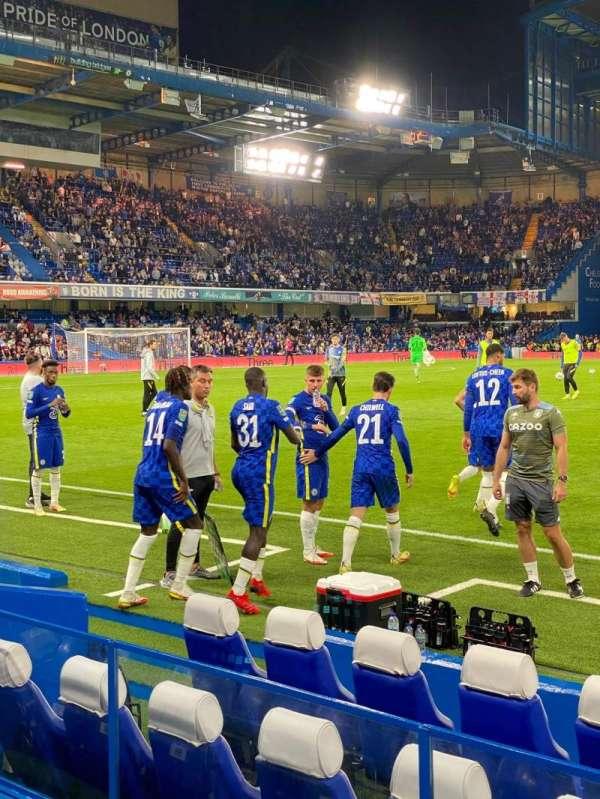 Stamford Bridge, secção: East Lower North, fila: H, lugar: 109