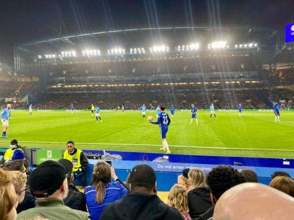 Stamford Bridge, secção: East Lower North, fila: H, lugar: 146
