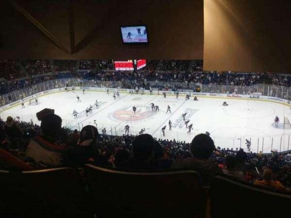 Old Nassau Veterans Memorial Coliseum, secção: 340, fila: T, lugar: 8