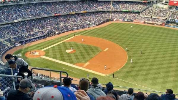 Yankee Stadium, secção: 413, fila: 7, lugar: 20
