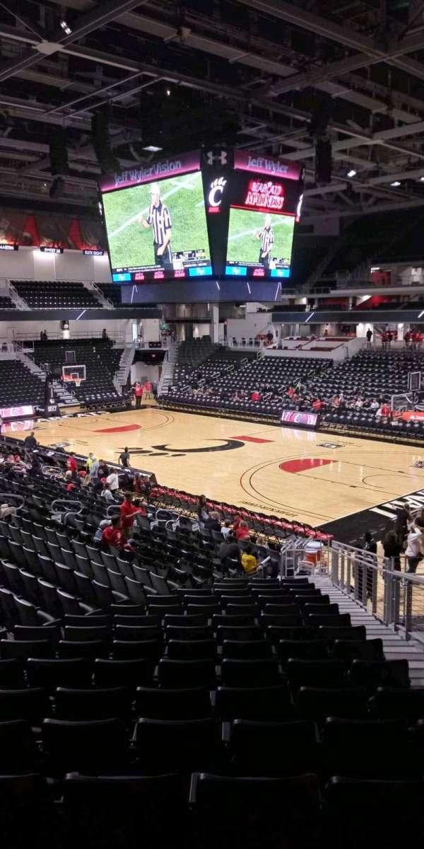 Fifth Third Arena, secção: 113, fila: 23, lugar: 4