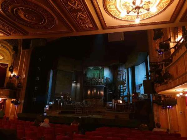 Walter Kerr Theatre, secção: Orchestra R, fila: N, lugar: 14